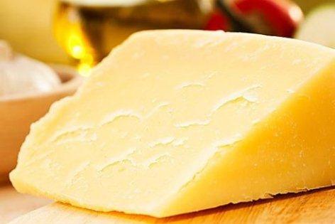 Кислый творог исправить вкус легко. Засохший сыр размягчить просто.