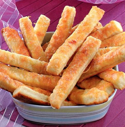 Творожное печенье палочки, маргарин. Сладкая вкусная выпечка дома.