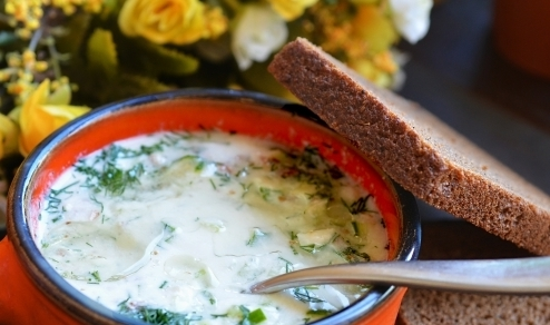 Холодный суп кефир, огурцы, яйца, укроп, чеснок. Таратор Болгария.