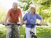 пожилые радостные
