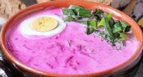 Холодный суп свекла огурец. Так утоляют голод в жару в Беларуси.