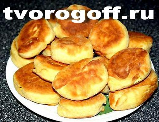 Пирожки жареные на простокваше, яйцо с луком. Пирожки с начинкой.