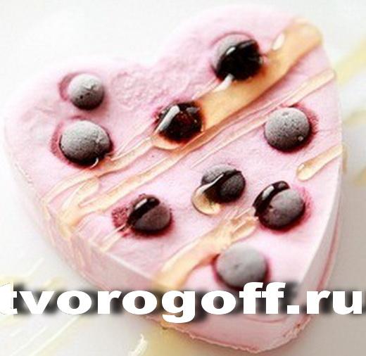 Мороженое творожное сливочное ягоды, орехи, мёд. Фрукты творог.