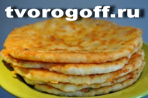 Сырные оладьи с кислым молоком, содержащие «Сулугуни»