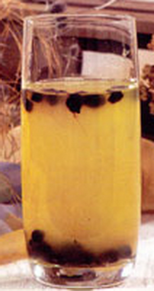 Коктейль из сыворотки тыквенный, дома с черникой. Сок напиток тыква.