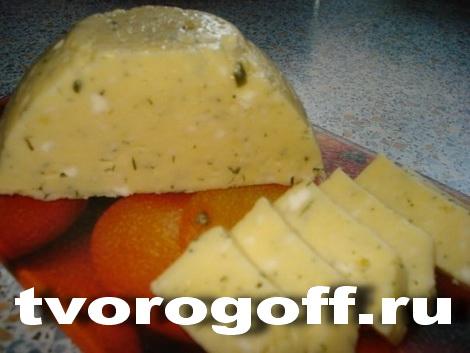 Домашний сыр со сметаной, яйцом