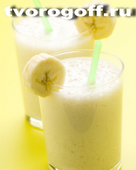 fresh fruit milk shake banana and caramel
