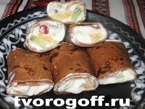Молочные, шоколадные блины начиненные сливками, фруктами