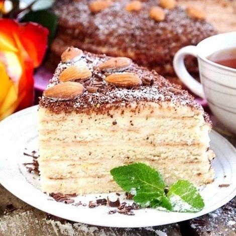 Торт сметанный, сырный крем, ваниль, на сковороде. Выпечка быстро.