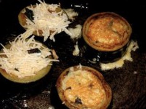 Баклажан сыр плавленый, базилик, яйцо, чеснок