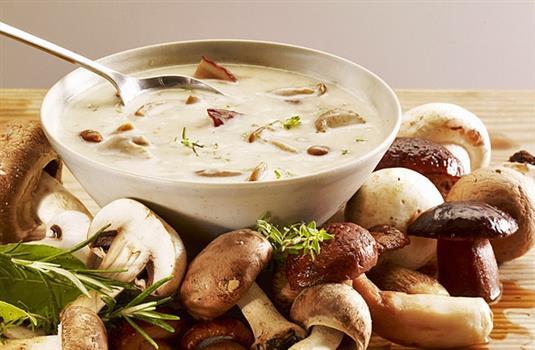Суп грибы белые, сливки, сыр, сметана. Грибы свежие или с мороза.