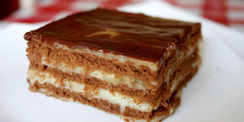 Торт без выпечки Шоколадка. Бананы, шоколадное печенье, шоколад.