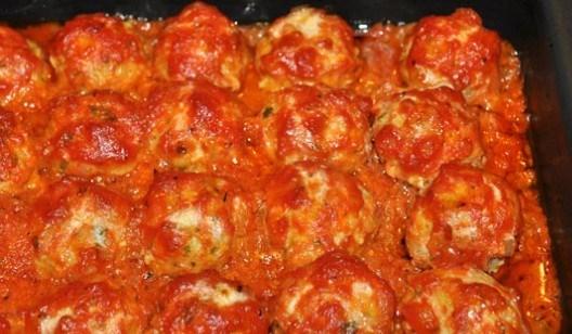 Фрикадельки томатный соус в духовке. Польпетте с сыром из Италии.