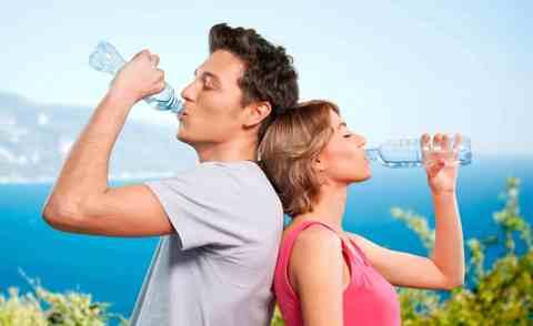 Надо ли пить воду, если не испытываете жажду.